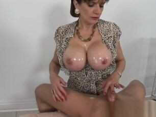 Mature fuck video